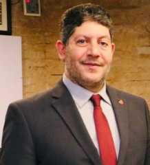 خالد السيد يكتب: السوشيال ميديا وتأثيرها على الشباب